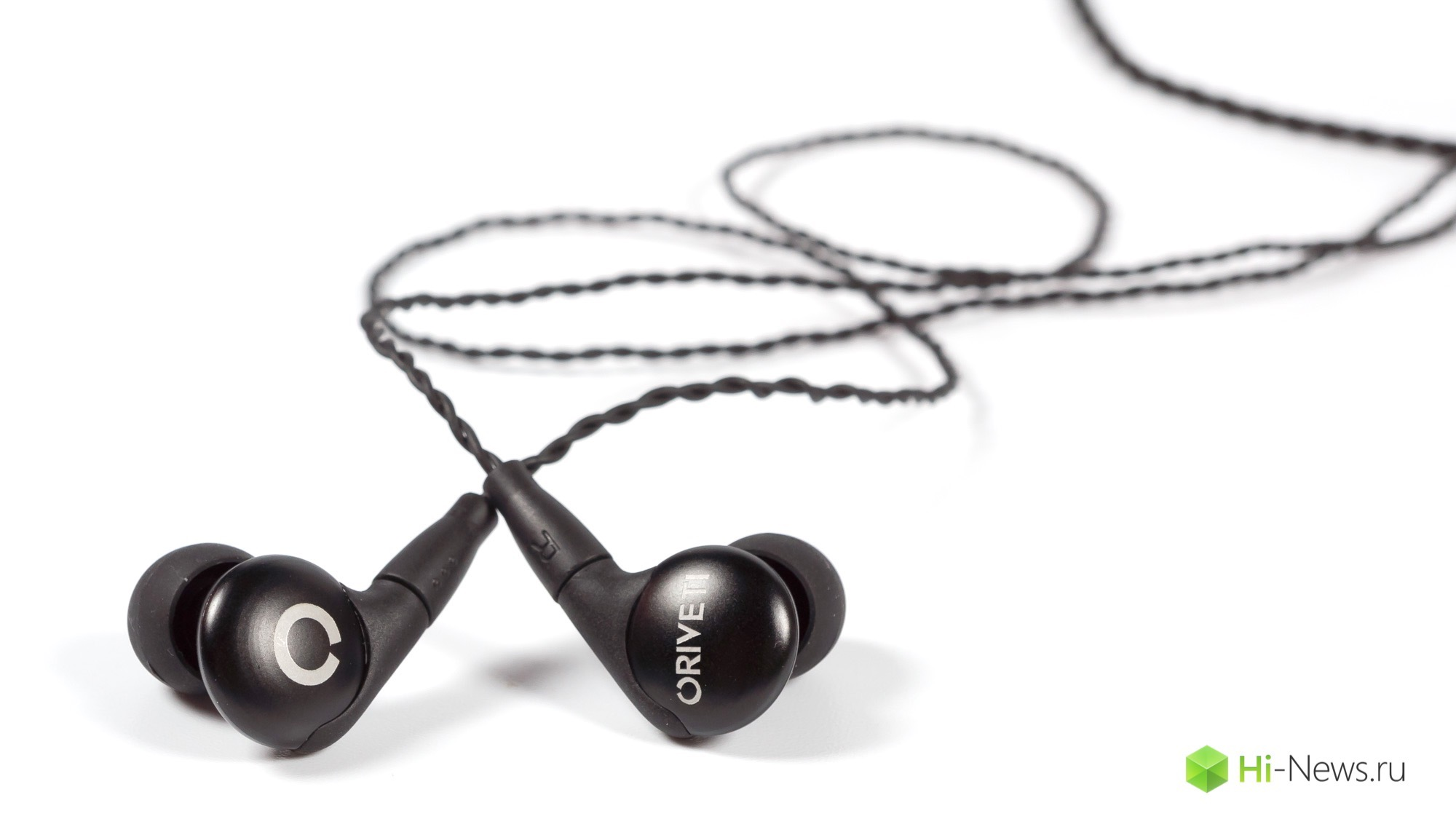 Review headphones Oriveti Basic — bass wisely