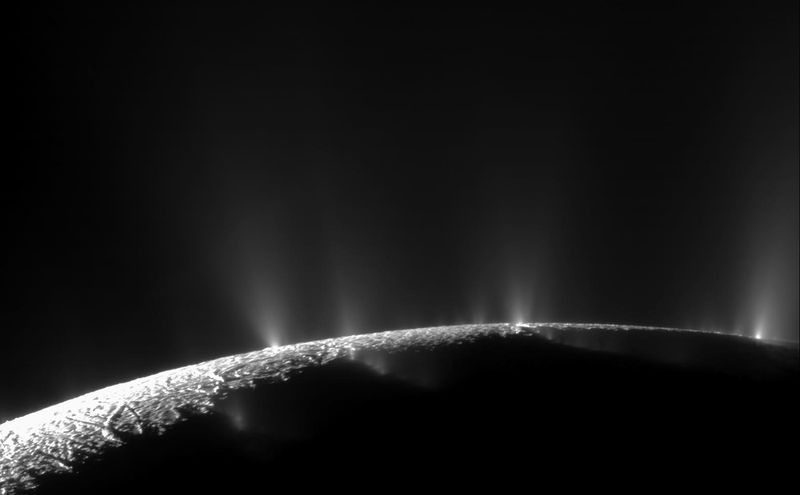 NASA: Enceladus has all the conditions for the origin of life