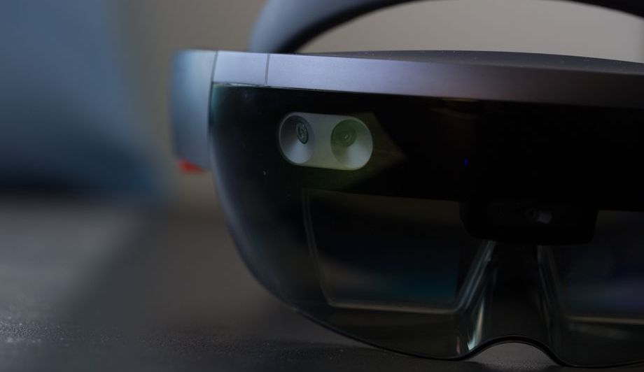 Microsoft will embed artificial intelligence into the headset HoloLens 2