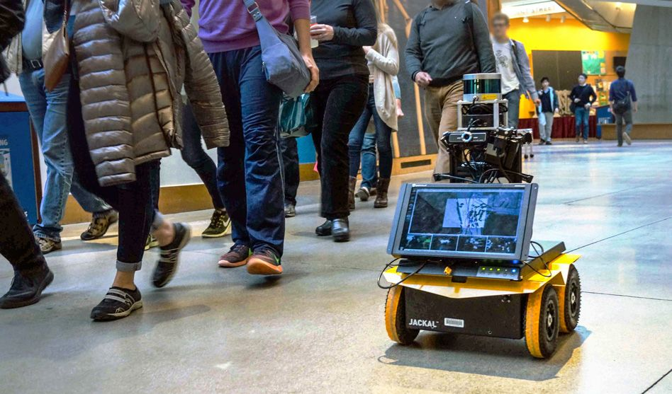 At MIT taught a robot the rules of movement in public areas