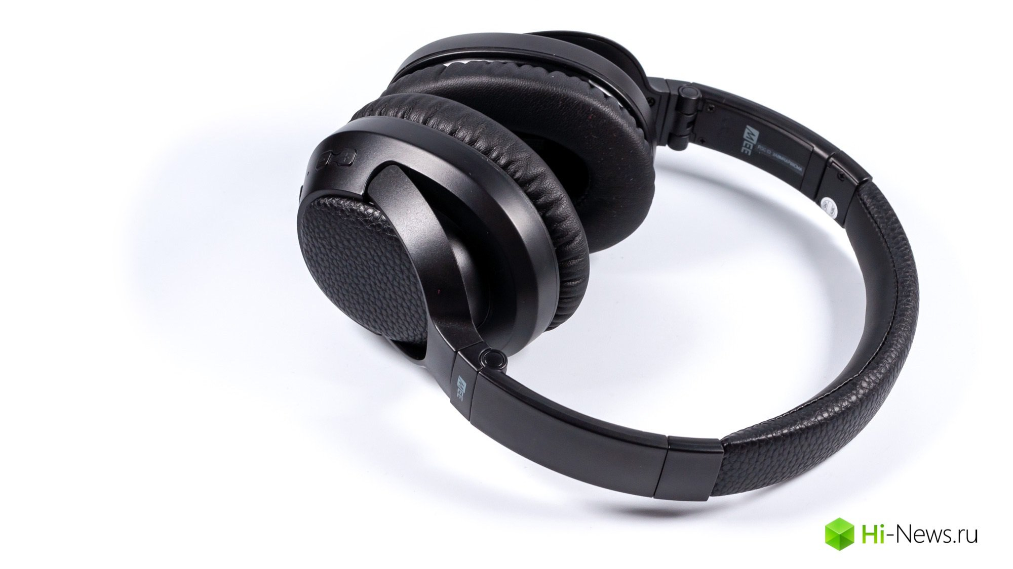 Review headphones MEEAudio Matrix Cinema — digital technology
