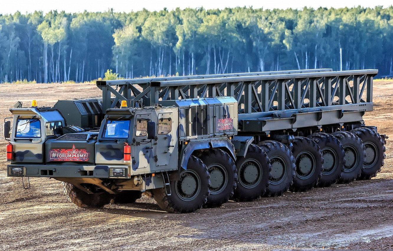 See how driftet Russian tractors for heavy missiles