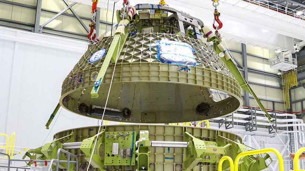 The first launch of the manned spacecraft Boeing CST-100 Cockpit rescheduled for August