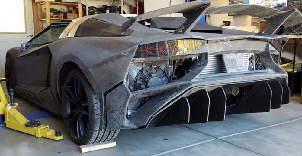 American at home printed on a 3D printer Lamborghini Aventador and you can drive on it
