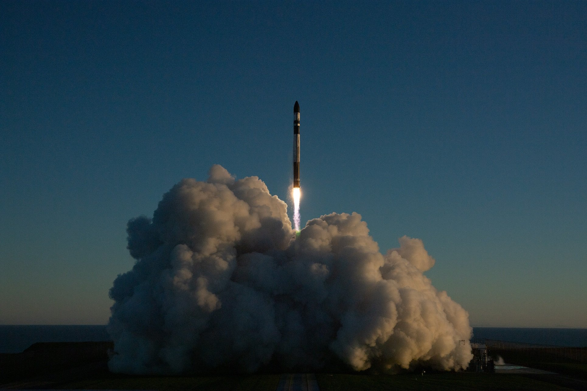Rocket Lab is going to catch their missiles with a helicopter. How do you like Elon Musk?