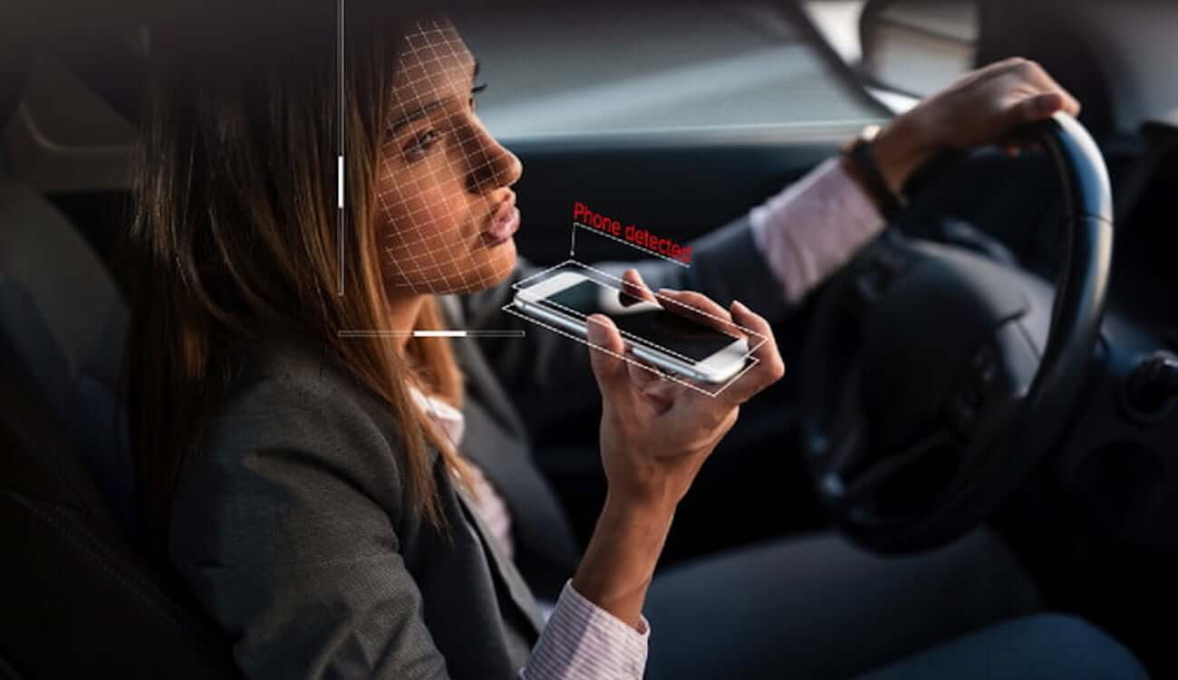 The new system will forbid drivers to smoke and talk on the phone while driving