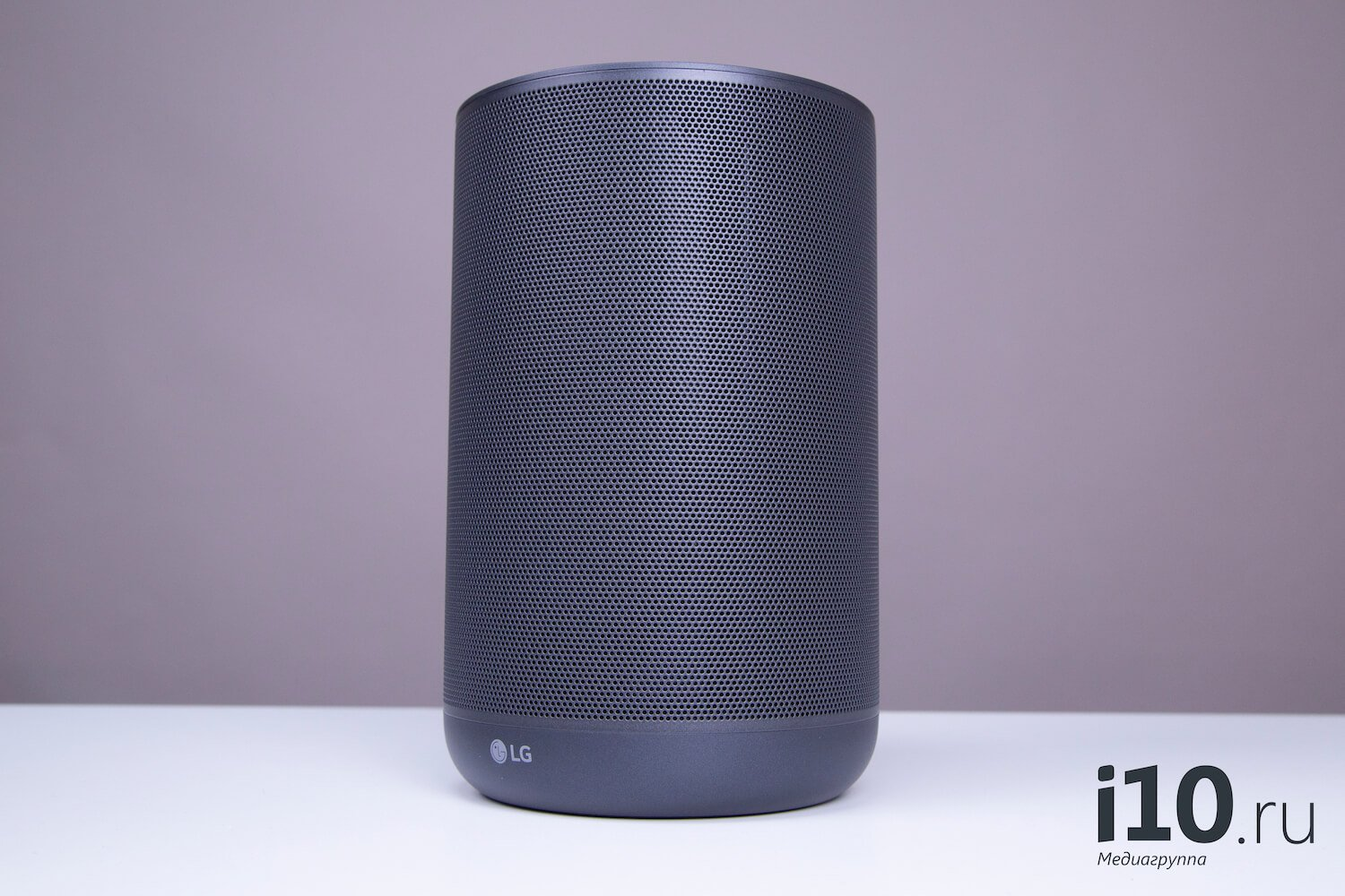 What kind of column with a voice assistant to buy?