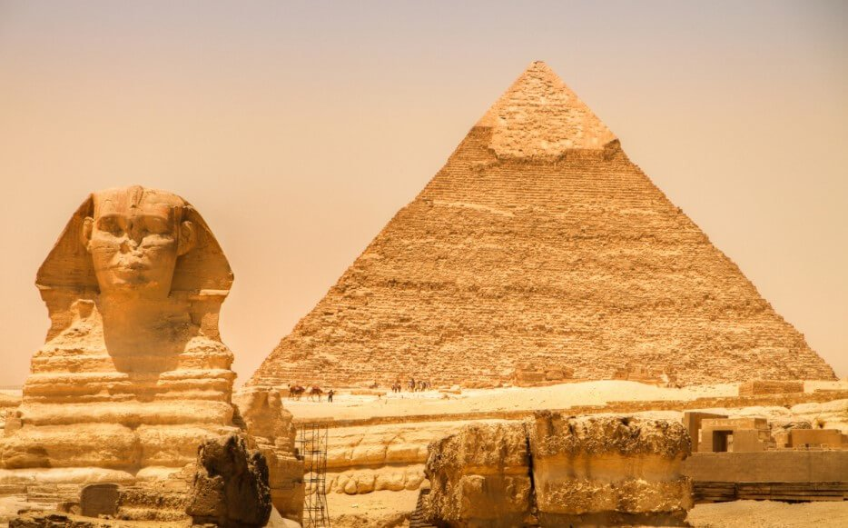 How the pyramids were built?